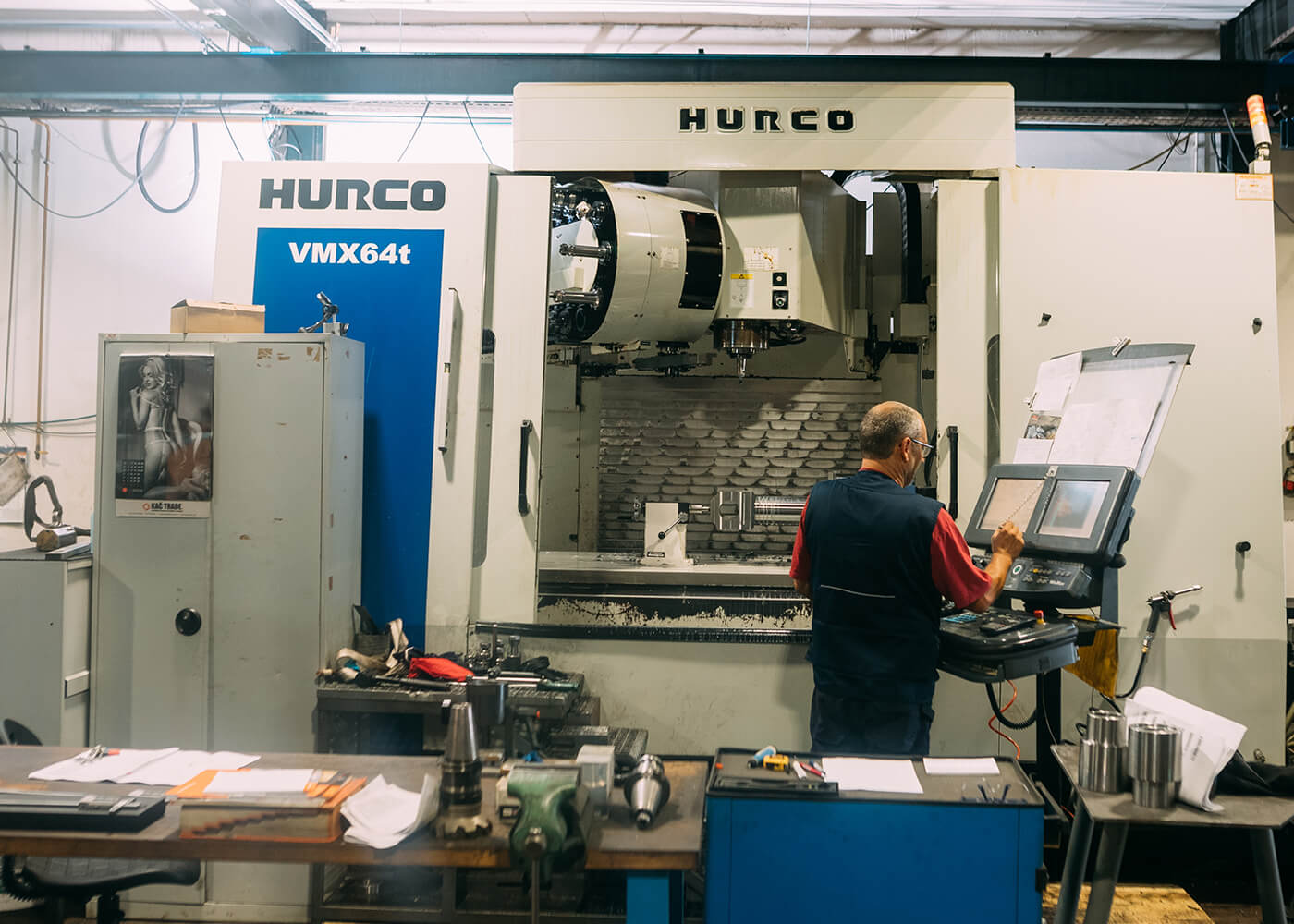 CNC center HURCO metalna