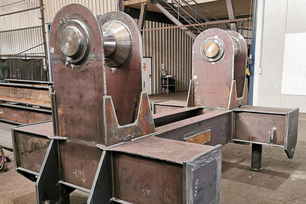 Dvižni nosilec metalna